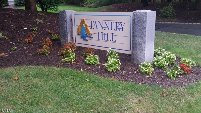 Additional photo for property listing at 19 Tannery Hill Drive  Hamburg, Nueva Jersey 07419 Estados Unidos