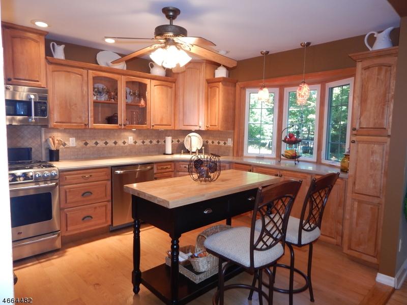 Additional photo for property listing at 7 Cornell Drive  Succasunna, Нью-Джерси 07876 Соединенные Штаты