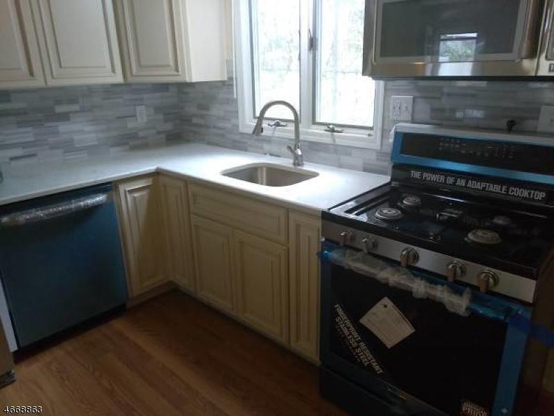 独户住宅 为 出租 在 1533 E 2nd St, UNIT C10 Scotch Plains, 新泽西州 07076 美国