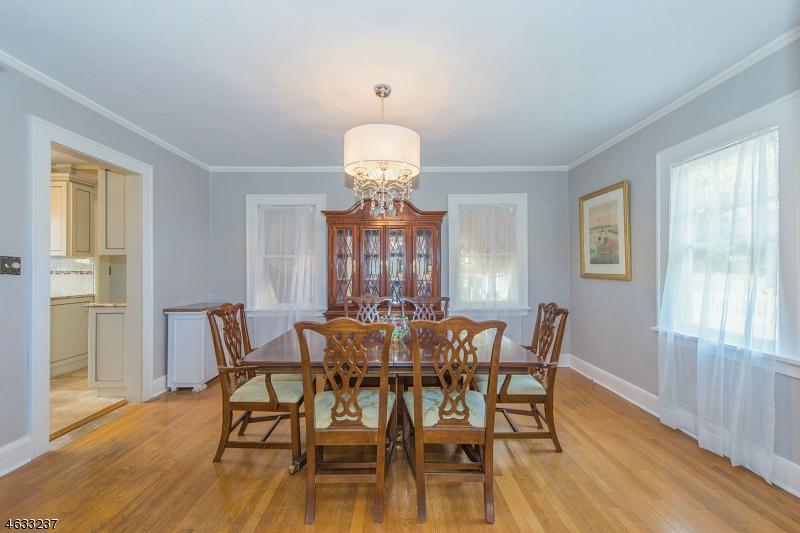 Additional photo for property listing at 17 Norwood Ter  Millburn, Нью-Джерси 07041 Соединенные Штаты