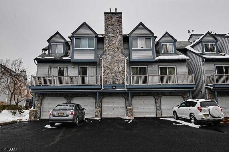 Maison unifamiliale pour l à louer à 98 Woods Edge Drive Succasunna, New Jersey 07876 États-Unis