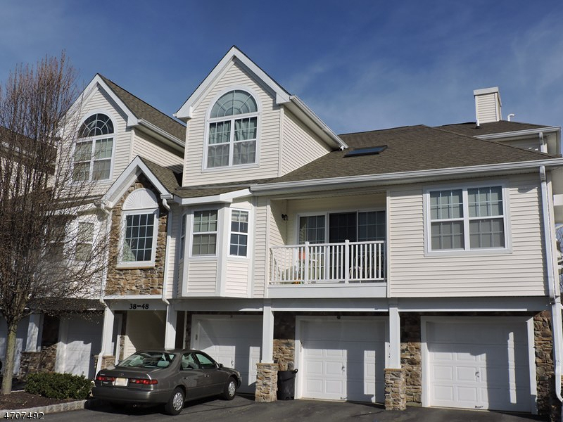 Maison unifamiliale pour l Vente à 40 Pondside Drive Ledgewood, New Jersey 07852 États-Unis