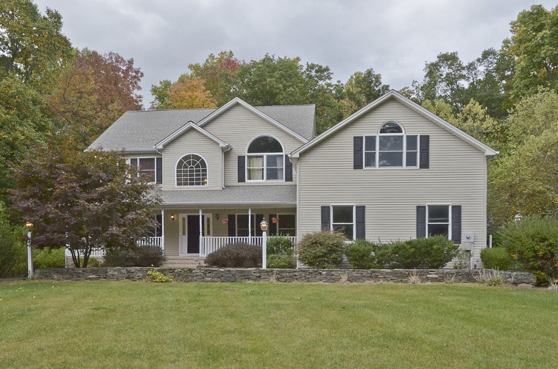 Single Family Home for Sale at 11-B RIDGE Lane Hackettstown, 07840 United States