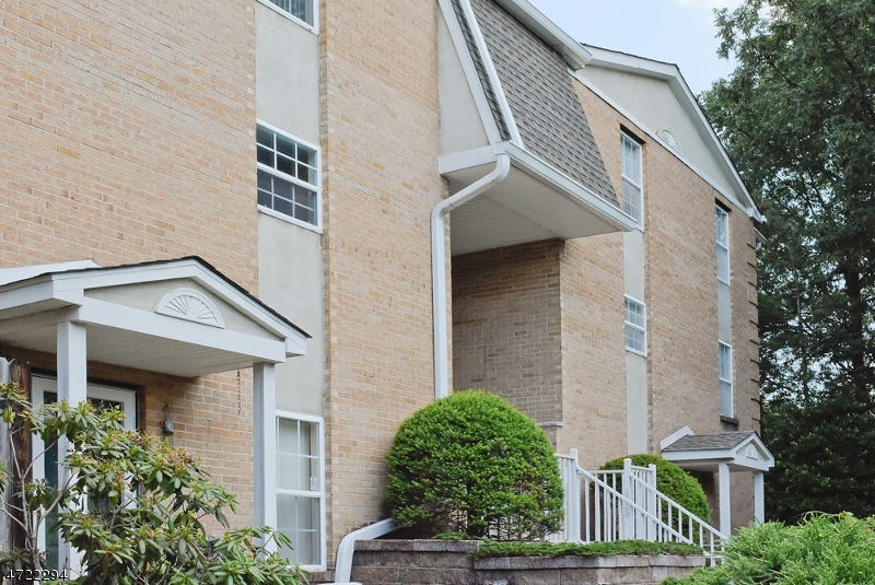 Single Family Home for Sale at 265 Vista Drive Cedar Knolls, New Jersey 07927 United States