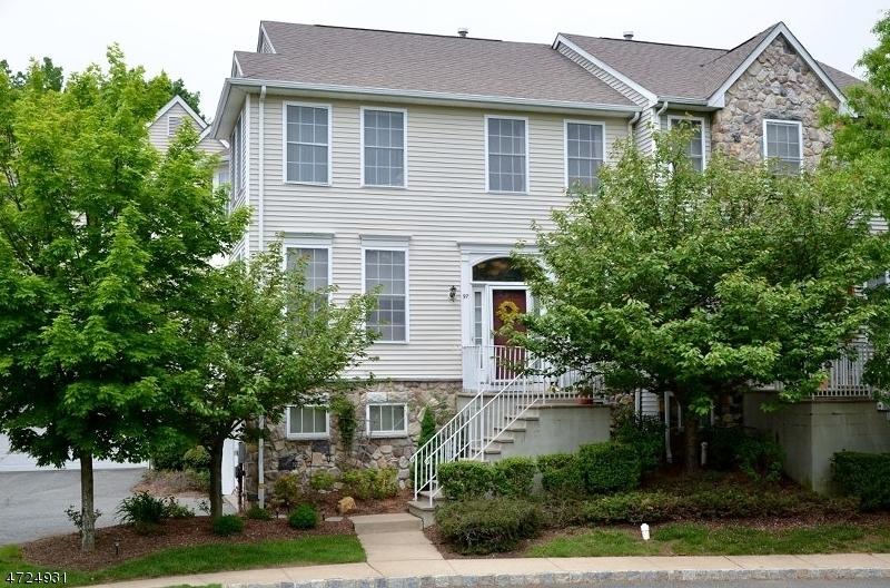 Maison unifamiliale pour l à louer à 97 Arrowgate Drive Randolph, New Jersey 07869 États-Unis