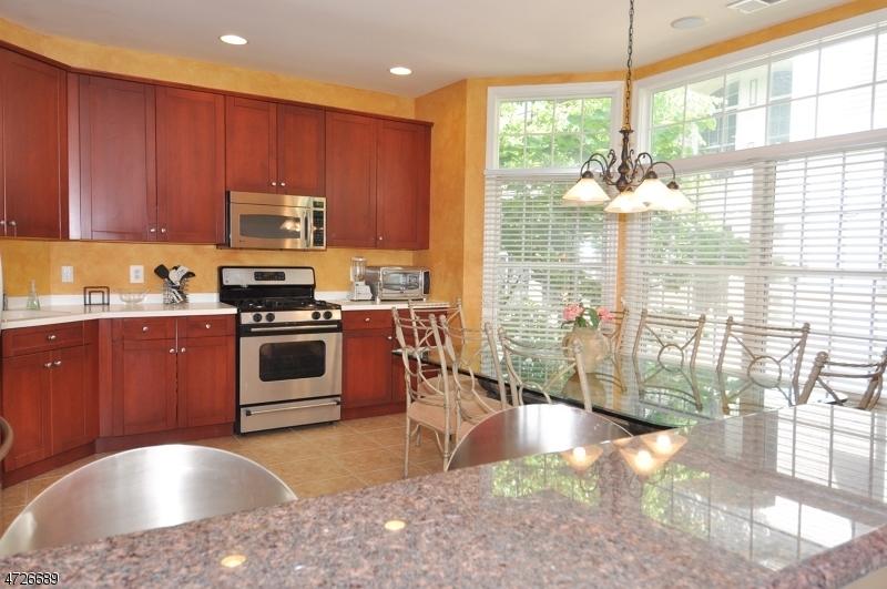 Maison unifamiliale pour l à louer à 315 Regal Blvd Livingston, New Jersey 07039 États-Unis