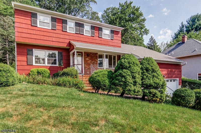 Additional photo for property listing at 21 Somerset Avenue  Bernardsville, New Jersey 07924 United States