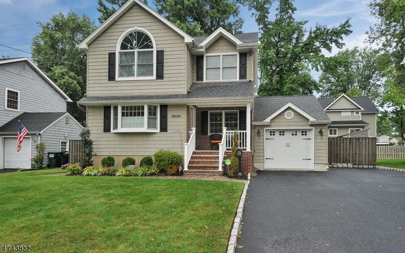 Частный односемейный дом для того Аренда на 2111 Newark Avenue Scotch Plains, Нью-Джерси 07076 Соединенные Штаты