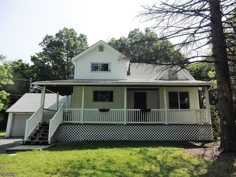Single Family Home for Rent at 1343 S Beverwyck Rd , Parsippany, New Jersey 07054 United States