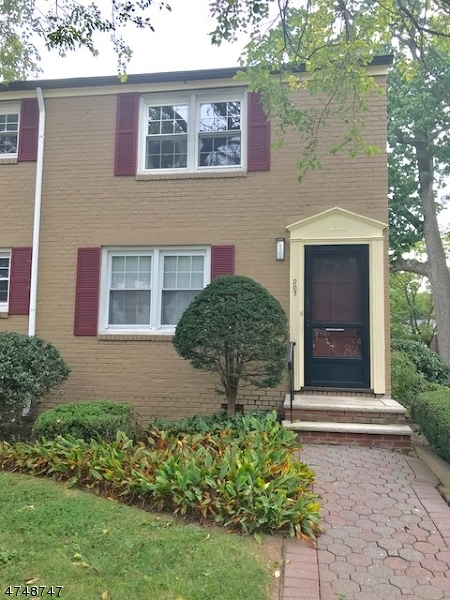 Single Family Home for Rent at 207 Lincoln Park E , Cranford, New Jersey 07016 United States