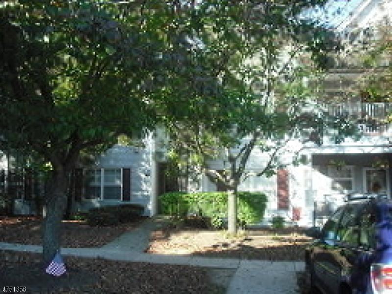 Частный односемейный дом для того Аренда на 4708 Tudor Drive Pequannock, Нью-Джерси 07444 Соединенные Штаты