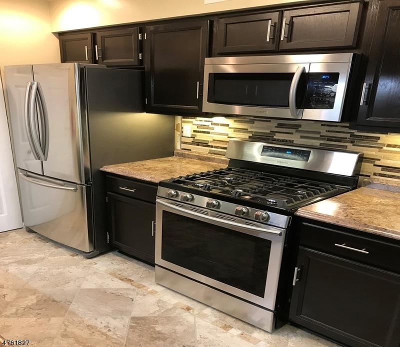 Частный односемейный дом для того Аренда на 30 John St, APT 1C Bloomfield, Нью-Джерси 07003 Соединенные Штаты