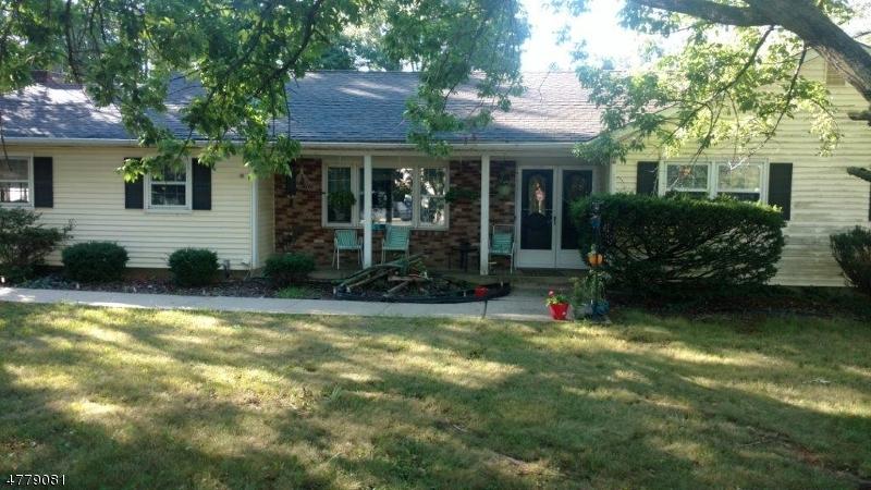 Maison unifamiliale pour l à louer à 1880 AMWELL ROAD Franklin, New Jersey 08873 États-Unis
