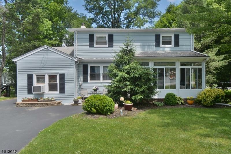 Tek Ailelik Ev için Satış at 100 KAKEOUT Road Butler, New Jersey 07405 Amerika Birleşik Devletleri