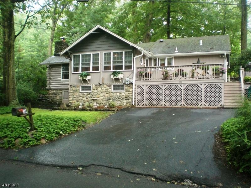 Casa Unifamiliar por un Alquiler en 111 Glenside Trail Byram Township, Nueva Jersey 07871 Estados Unidos