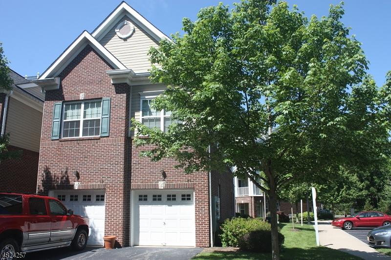 Condominio/ Casa de pueblo por un Alquiler en 81 TAFT Lane Morristown, Nueva Jersey 07960 Estados Unidos