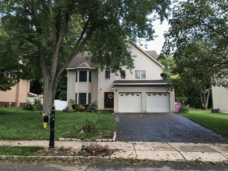 独户住宅 为 销售 在 908 LIBERTY Street Belvidere, 新泽西州 07823 美国