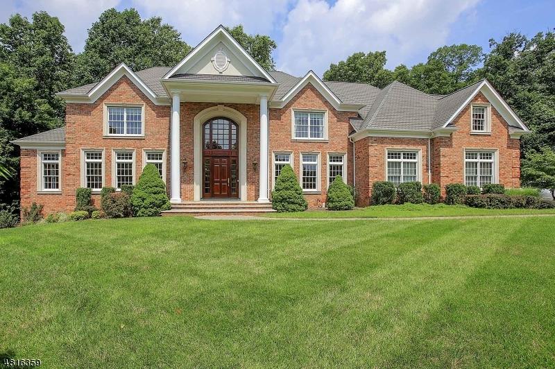 Maison unifamiliale pour l Vente à 37 GEIGER Lane Warren, New Jersey 07059 États-Unis