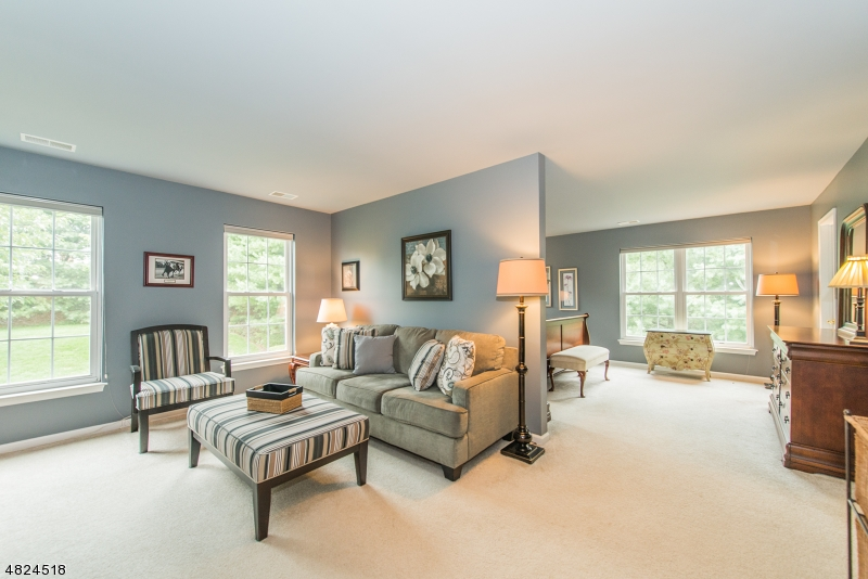 Condo / Townhouse for Sale at 12 MOUNTAIN VIEW Drive Woodland Park, New Jersey 07424 United States