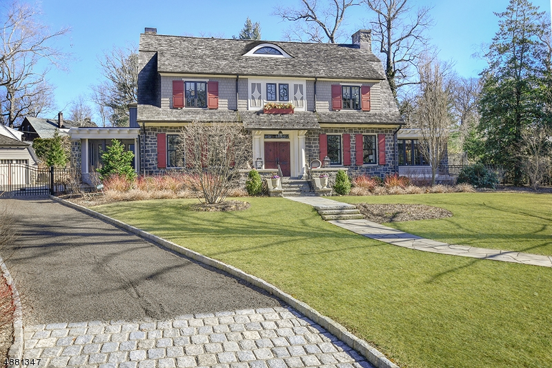 Single Family Home for Sale at 21 ESSEX RD 21 ESSEX RD Summit, New Jersey 07901 United States