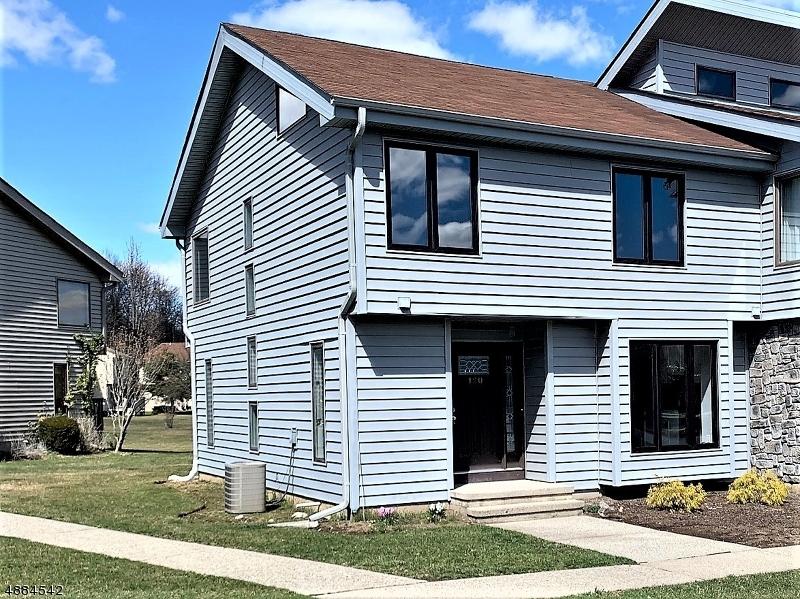 Condo / Casa geminada para Venda às 120 SEMINOLE Road Andover, Nova Jersey 07848 Estados Unidos