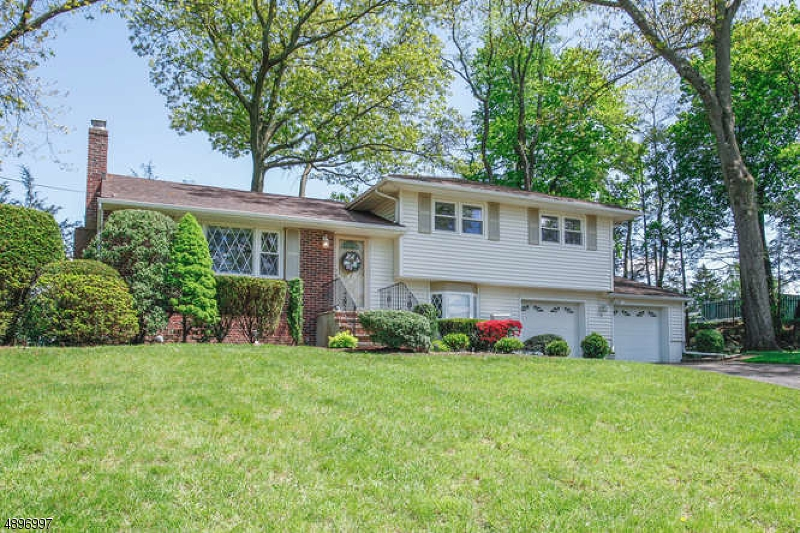 Single Family Home for Sale at Midland Park, New Jersey 07432 United States