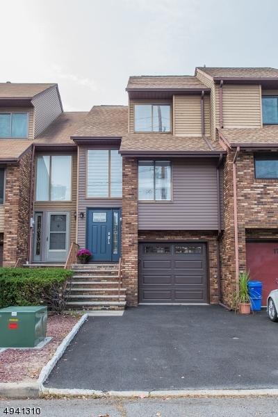 Single Family Homes 為 出售 在 Wallington, 新澤西州 07057 美國