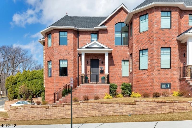 Condominio / Townhouse per Vendita alle ore Fort Lee, New Jersey 07024 Stati Uniti