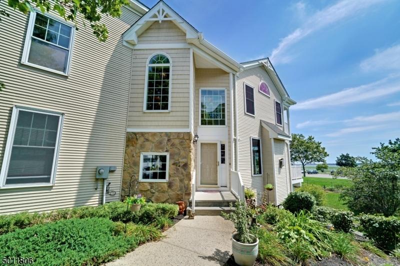 マンション / タウンハウス のために 売買 アット South Amboy, ニュージャージー 08879 アメリカ