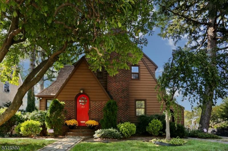Single Family Homes 為 出售 在 Bogota, 新澤西州 07603 美國
