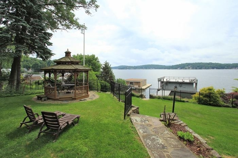 Additional photo for property listing at 79 CASTLE ROCK Road  Lake Hopatcong, New Jersey 07849 États-Unis