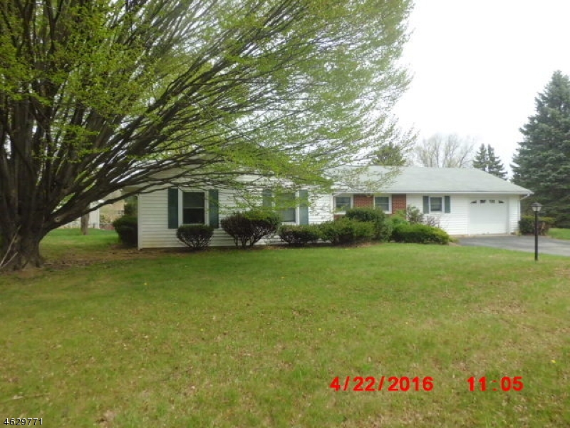 Additional photo for property listing at 711 Rugby Road  Lopatcong, New Jersey 08865 United States