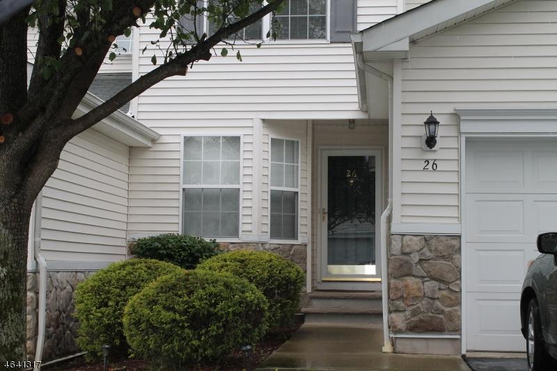 Casa Unifamiliar por un Venta en 26 Lakeview Drive Hamburg, Nueva Jersey 07419 Estados Unidos
