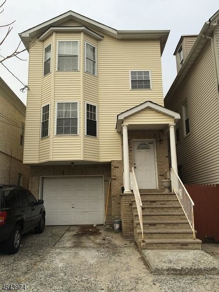 Additional photo for property listing at 232 Pine Street  Elizabeth, New Jersey 07206 États-Unis