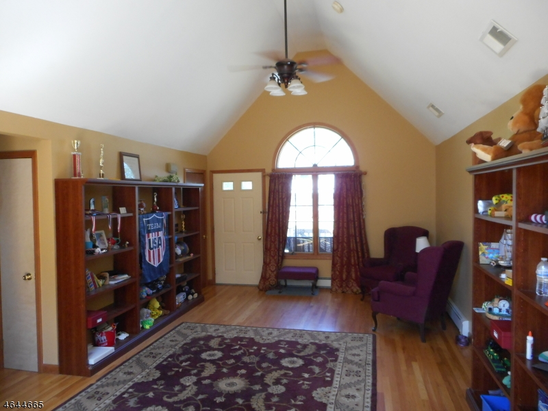 Additional photo for property listing at 50 Birch Avenue  West Milford, Нью-Джерси 07480 Соединенные Штаты