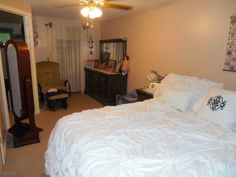 Additional photo for property listing at 7 Shady Lane  Belvidere, New Jersey 07823 États-Unis