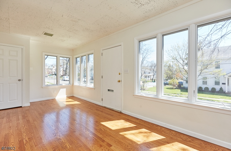 Additional photo for property listing at 47 Milton Street  Millburn, New Jersey 07041 United States