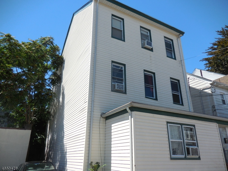 Additional photo for property listing at 85 Sherman Avenue  Paterson, New Jersey 07502 États-Unis