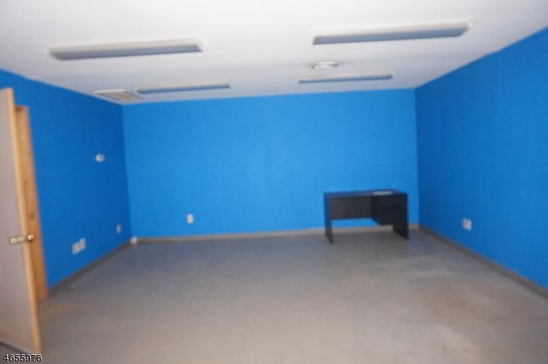 Additional photo for property listing at 28-38 Burnett Avenue  Maplewood, Nueva Jersey 07040 Estados Unidos