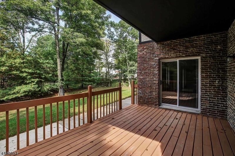 Additional photo for property listing at 5 Elijah Court  Montville, 新泽西州 07045 美国