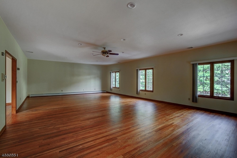 Additional photo for property listing at 5 Elijah Court  Montville, New Jersey 07045 United States