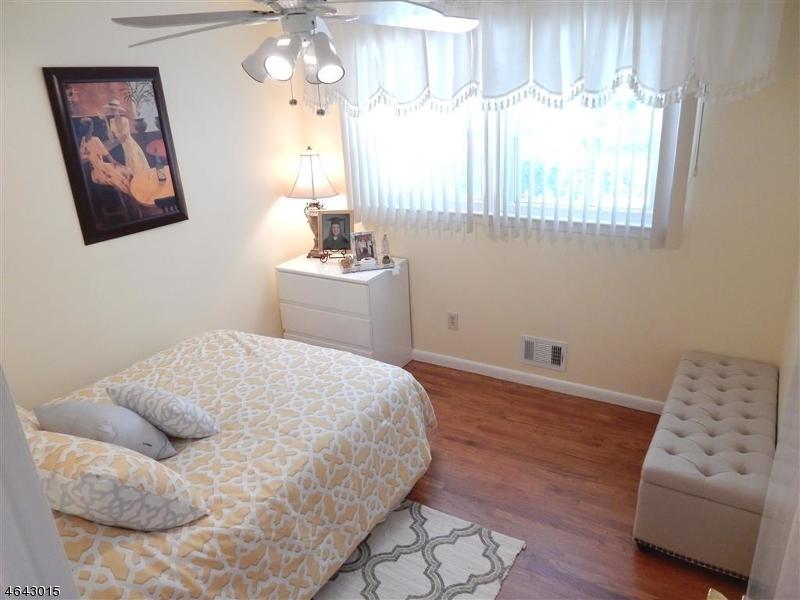 Additional photo for property listing at 76 WHEATSHEAF Road  Clark, Nueva Jersey 07066 Estados Unidos