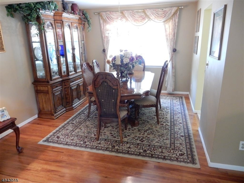Additional photo for property listing at 76 WHEATSHEAF Road  Clark, New Jersey 07066 États-Unis