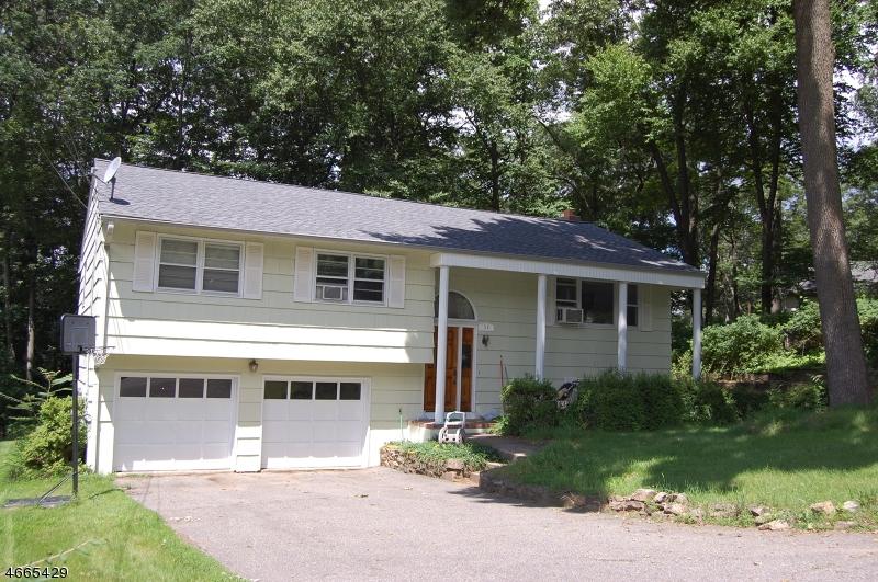 Casa Unifamiliar por un Alquiler en 36 Beech Road Randolph, Nueva Jersey 07869 Estados Unidos