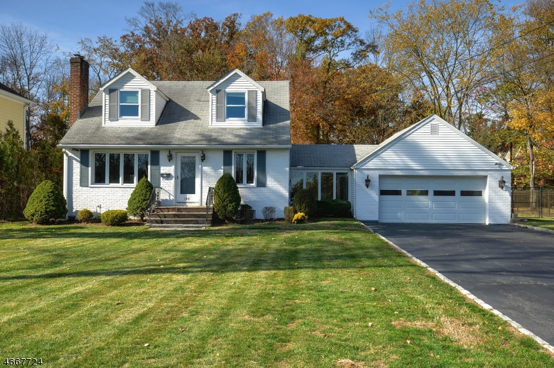 Single Family Home for Sale at 125 Braidburn Road Florham Park, 07932 United States