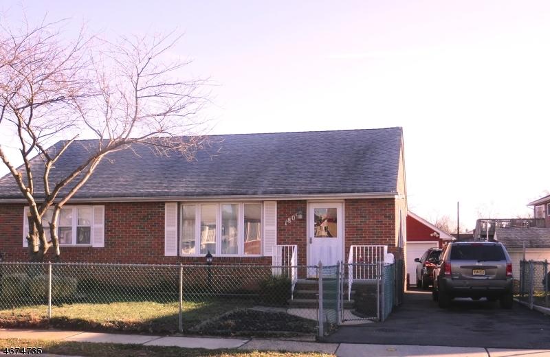 Частный односемейный дом для того Продажа на 1809 West Camplain Road Manville, 08835 Соединенные Штаты