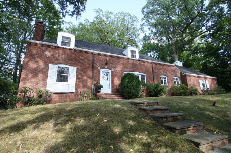 Casa Unifamiliar por un Alquiler en 215 Summit Avenue Summit, Nueva Jersey 07901 Estados Unidos