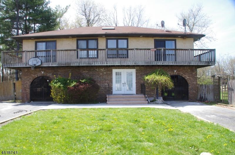 Частный односемейный дом для того Аренда на 31 Busse Street Lincoln Park, Нью-Джерси 07035 Соединенные Штаты