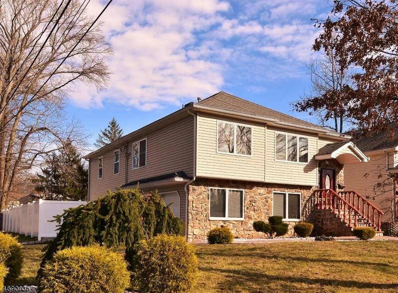 Single Family Home for Sale at 301 New Street Garwood, New Jersey 07027 United States