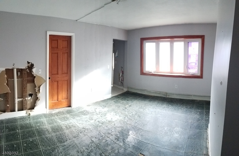 Additional photo for property listing at 14 Manchester Avenue  Paterson, New Jersey 07502 United States